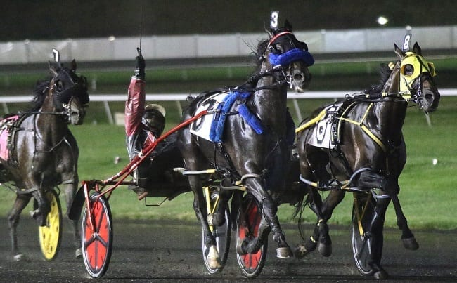 Wiggle It Jiggleit (Montrell Teague) rebounded from a loss in the Ben Franklin by setting a 1:47.2 career mark in the $250,000 Graduate Final for pacers Saturday at the Meadowlands | Michael Lisa