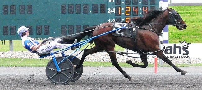 Huntsville's full-brother, Wild Bill and Scott Zeron, winning in PASS action for two-year-old pacing colts Thursday at Harrah's Philadelphia | World Wide Racing
